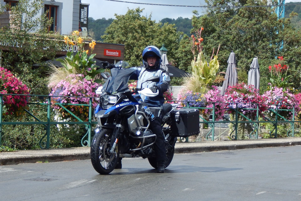 Motorrijbewijspoint Leusden examengarantie AVB en AVD